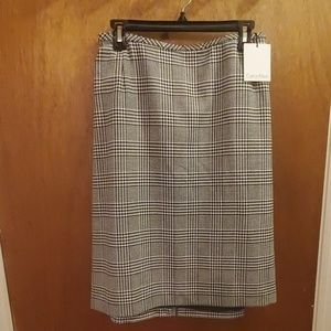 Calvin Klein Houndstooth plaid skirt